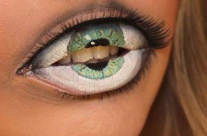 Eye Lips by Sandra HolmbomSource: http://psychosandra.blogg.se/
